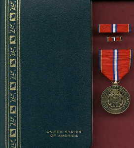 Details about Coast Guard Reserve Good Conduct medal with lpin in case