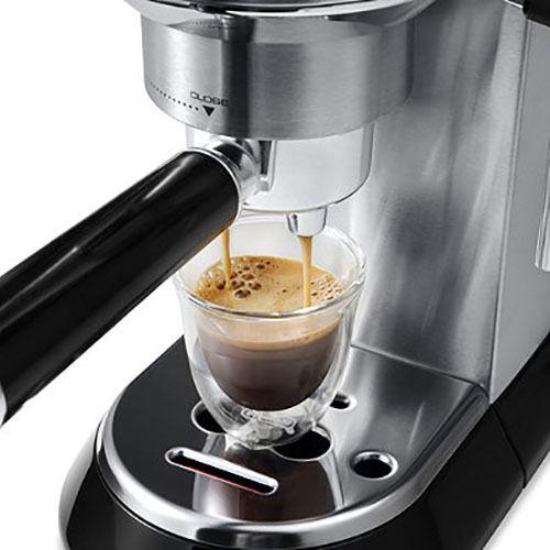 DeLonghi Dedica 15-Bar Pump Espresso Cappuccino Coffee Cafe Cafe Cafe Latte Machine Frothy 90408e