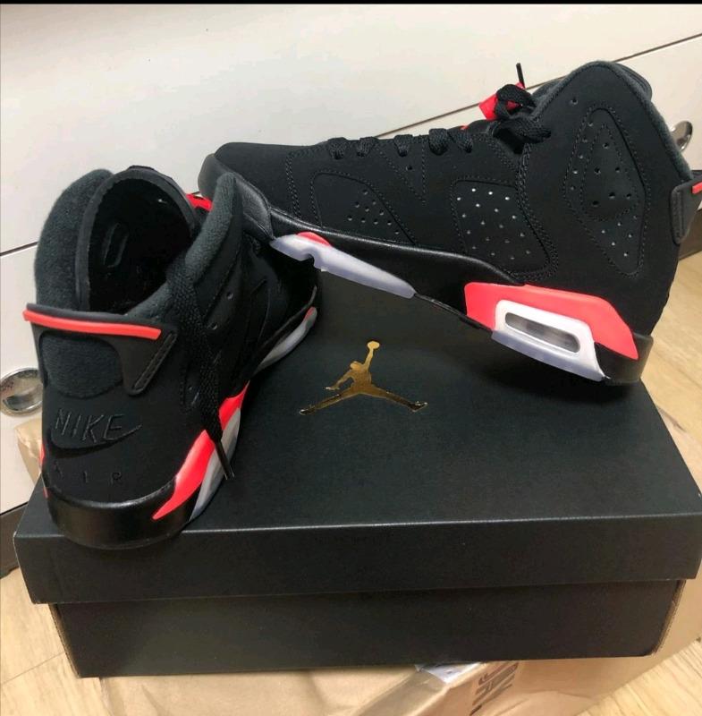 Jordan6 retro infrared sneakers new in box