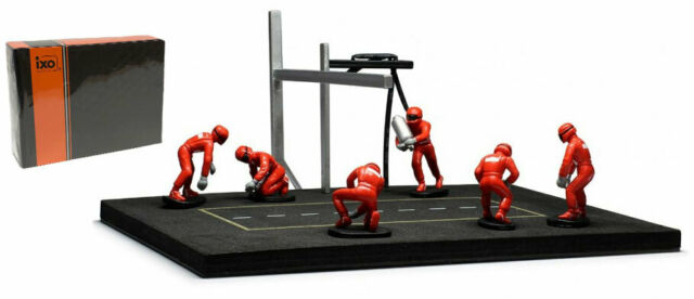 IXO Pit Stop Mechanic Set - 6 Figures (Red Overalls) & Accessories 1/43 Scale
