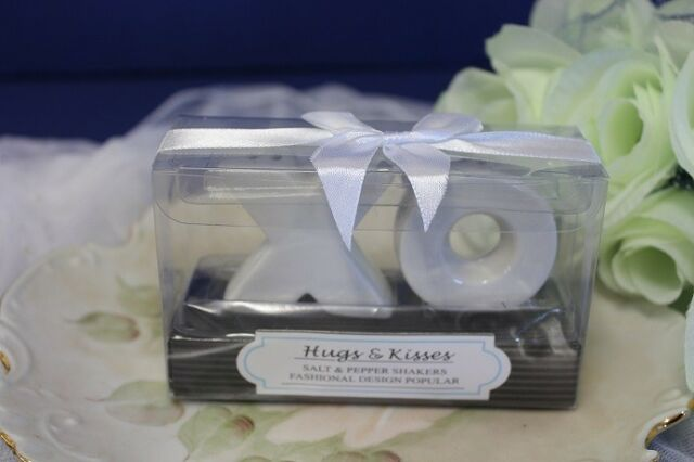 Wedding Bomboniere & Favours - Salt & Pepper Shakers - Hugs and Kisses x 100