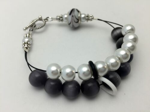 Handmade Knitting Row Counter Black and White Abacus Counting Bracelet