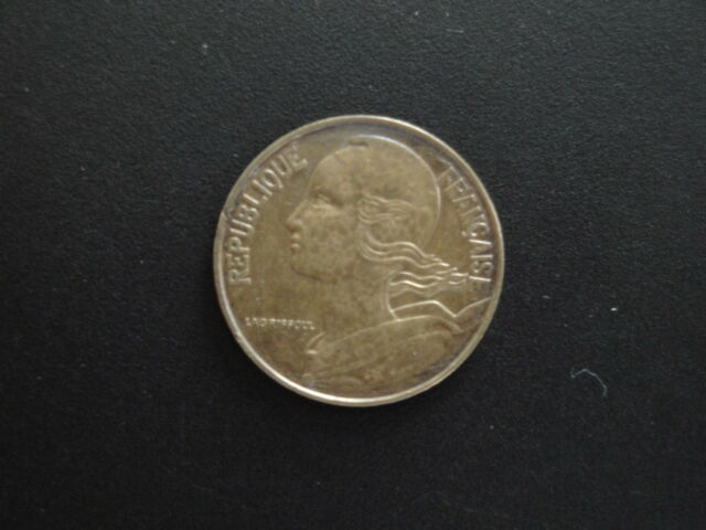 Collectible Coins 1976 French 20 Centimes Coin  #4/1