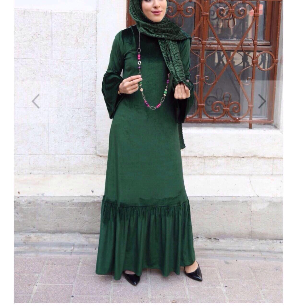 Modernes grünes Hijab Kleid Samt-kadife tesettür elbise (yeşil-mor) Kiyafet