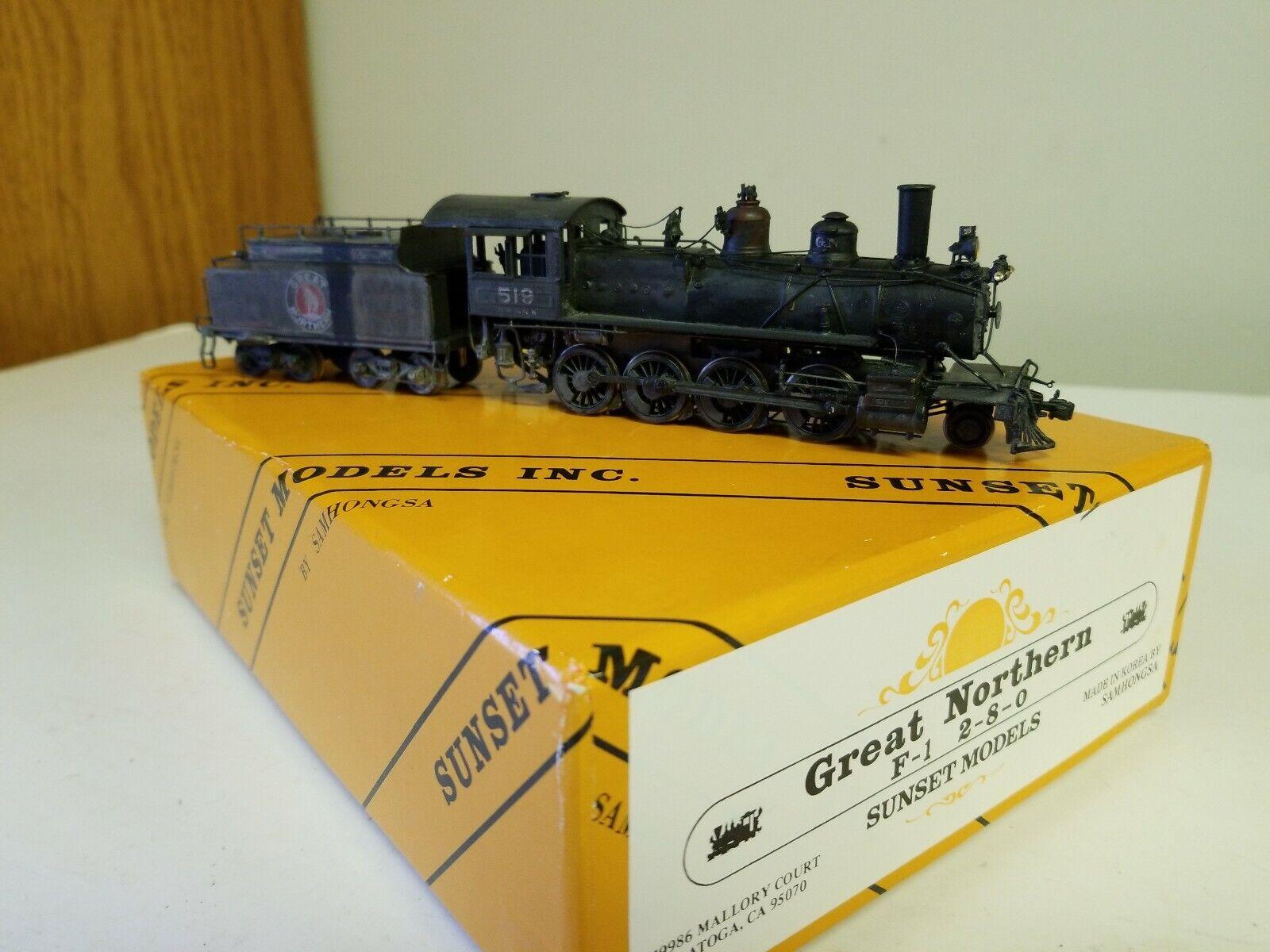 SUNSET MODELS GREAT NORTHERN F-1  2-8-0 Locomotive & Tender (SAMHONGSA)