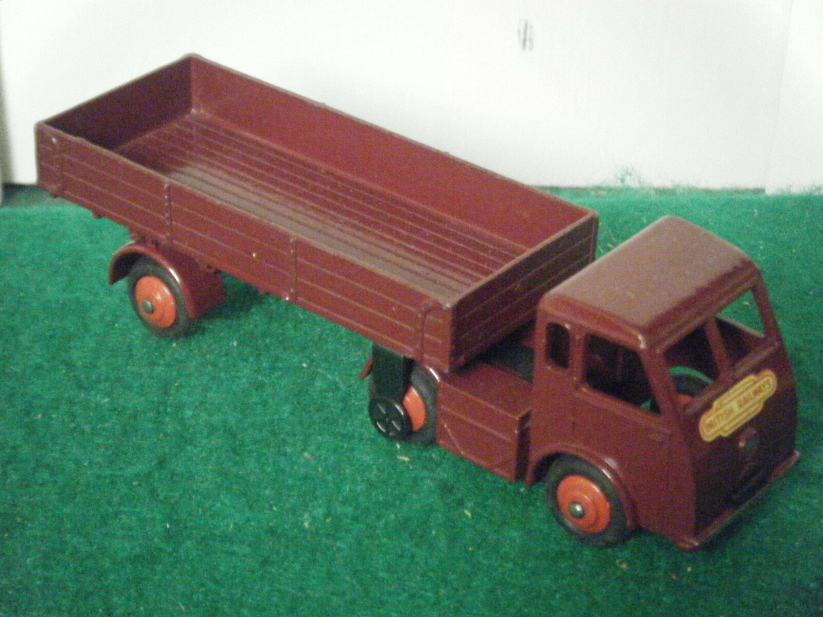 Dinky Toys No  30W  Electric Articulated Vehicle British Railways  (Near Mint)