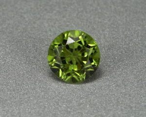 Peridot-4-20-Karat-Pakistan-Peridote-koxgems