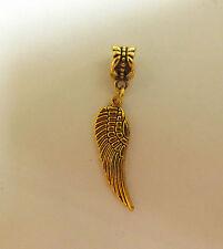 pendentif doré aile d'ange 30x10