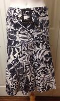 Linea Domani Women's Skirt Size 4 Black White Gray W/ Belt Full Skirt
