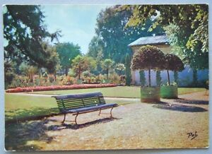 Dijon-Jardin-de-l-039-Arquebuse-Postcard-P221