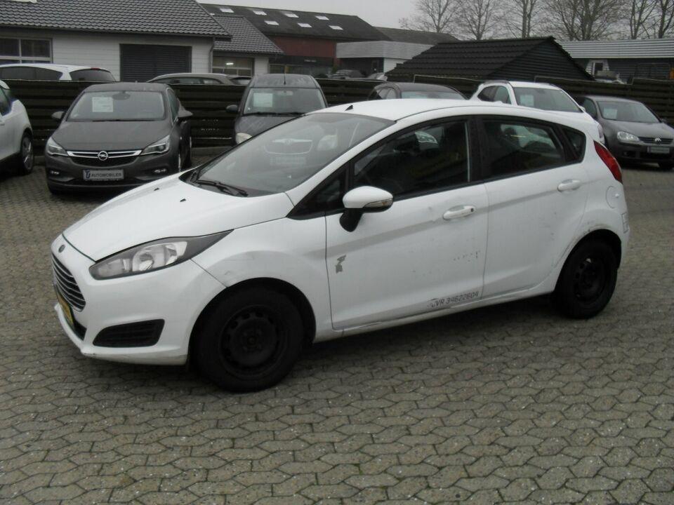 Ford Fiesta 1,0 65 Trend Van Benzin modelår 2014 Hvid km