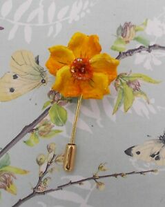 pins pin/'s flag national badge metal lapel button vest yellow daffodil st david