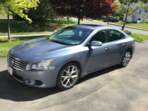 2010 Nissan Maxima with S/V sports package
