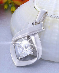 925-Sterling-Silver-Pendant-with-1-66-ct-Princess-cut-White-Zirconium