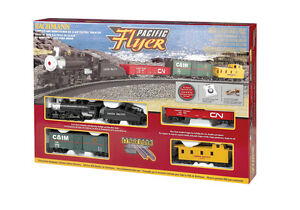 Brand-New-Bachmann-HO-Pacific-Flyer-Steam-Train-Set-00692-TOTE1