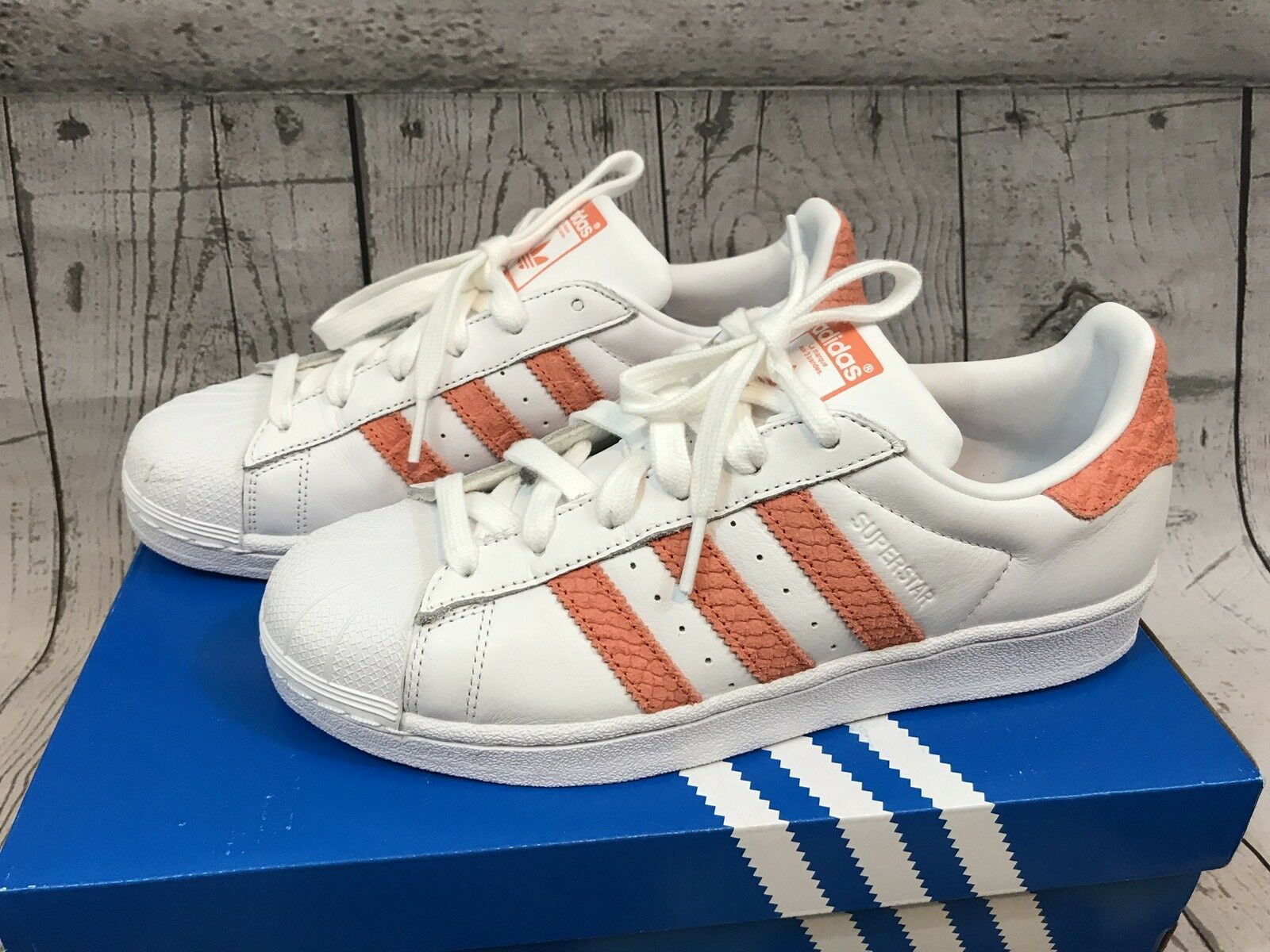 Adidas Originals Womens Superstar Coral Peach White Sneakers Shoes Size 7.5 NWT