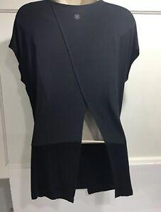 Gaiam-Soft-Rayon-Stretch-Black-Split-Back-T-Shirt-SZ-M-Lightweight-Yoga-Casual