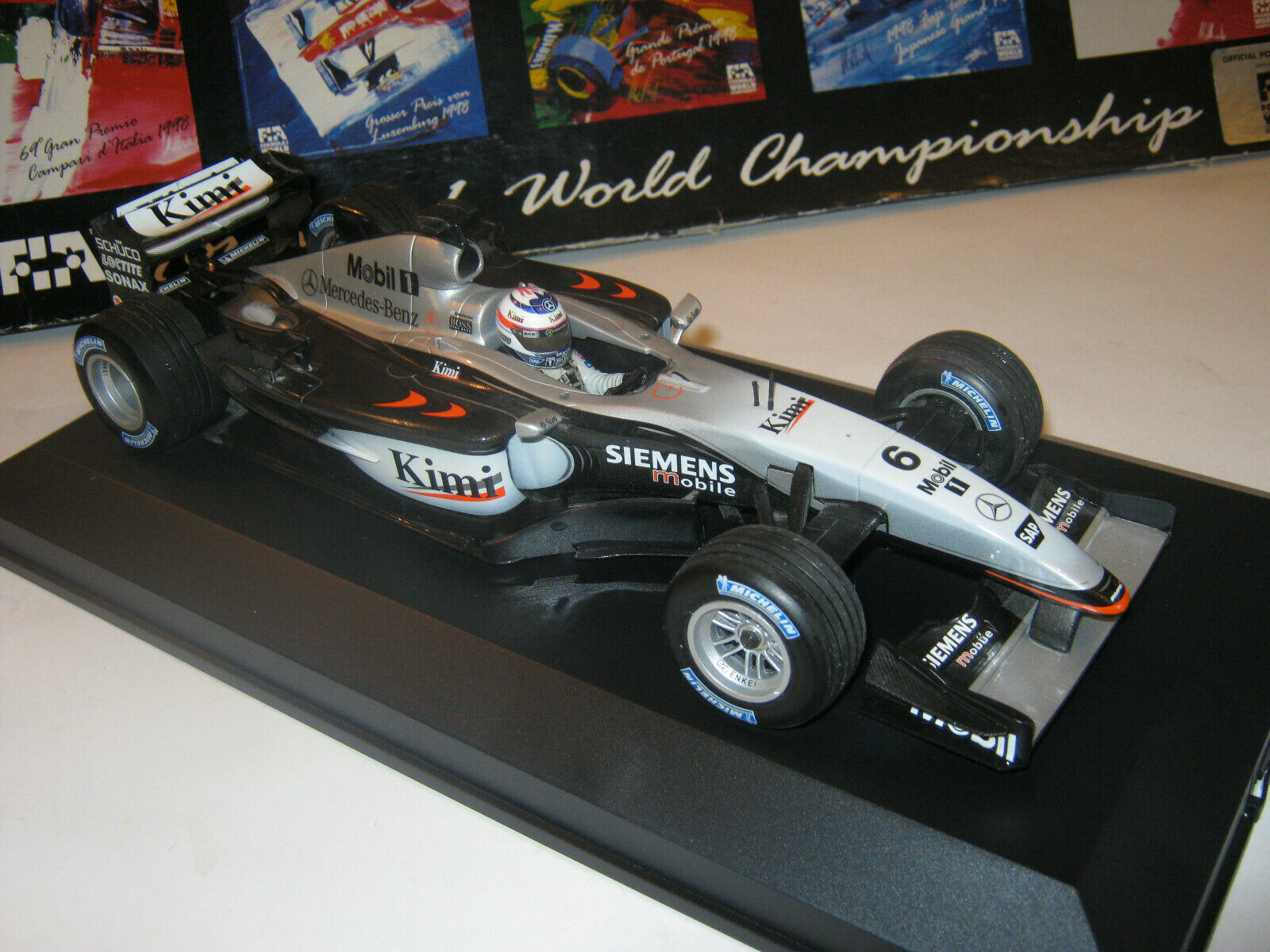 1 18 McLaren Mercedes mp4 17d K. Raikkonen 2002 in Brandnew Showcase Top