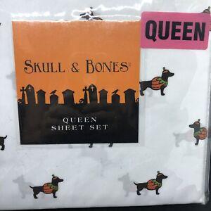 "QUEEN SHEET SET SKULL /& BONES HALLOWEEN DOGS TRICK or TREAT fits 17/"" MATTRESS"