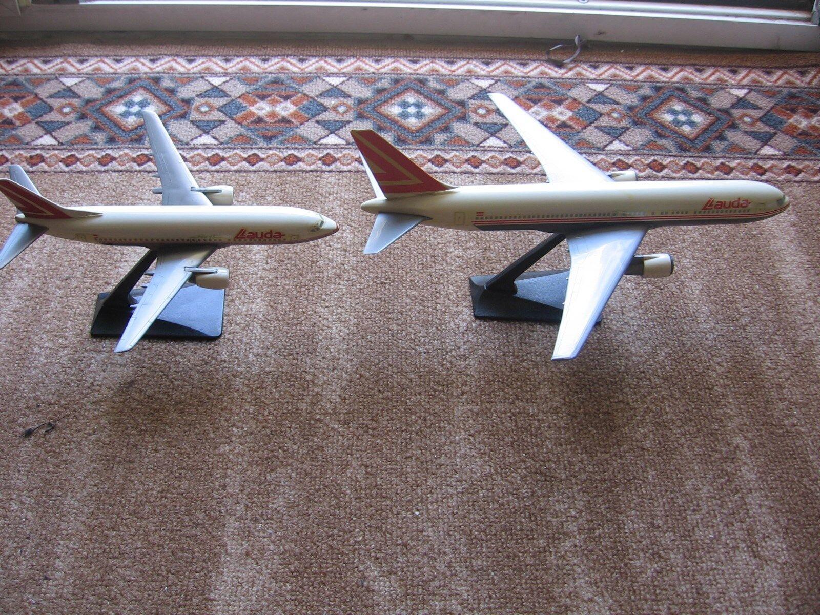 Lauda Air boeing 737-300 & boeing 767-300 Travel Agency set very old 1989 1 200