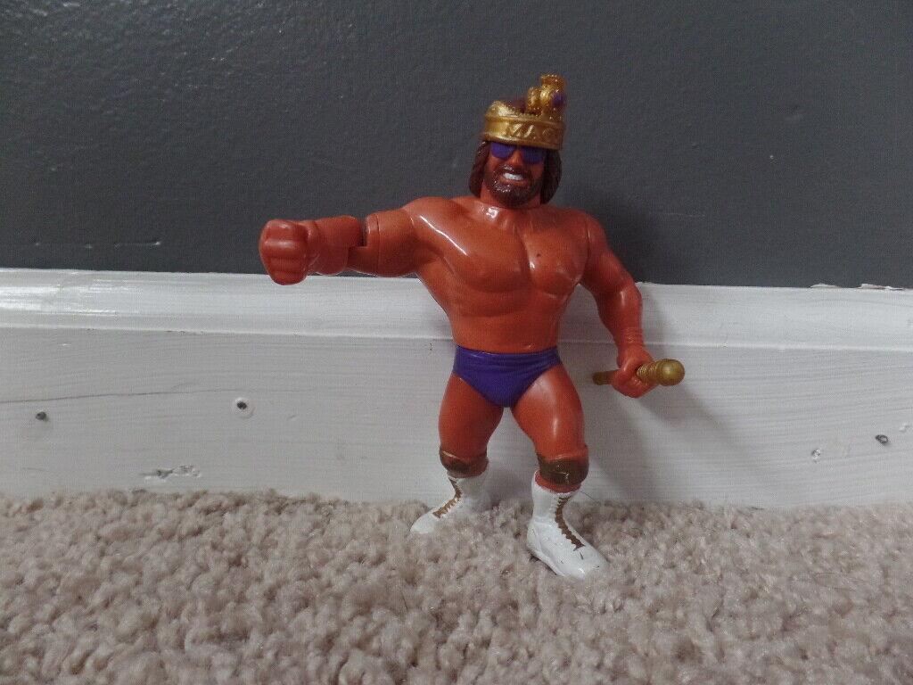 MACHO MAN RANDY SAVAGE W CROWN & SCEPTER wwf SERIES 2 wrestling HASBRO figure