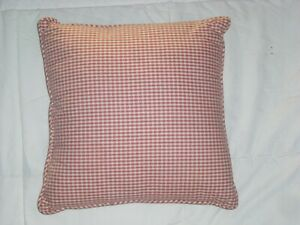 Country-Curtains-Salmon-Mauve-Ivory-Checkered-15-034-Square-Bed-Accent-Pillow-EUC