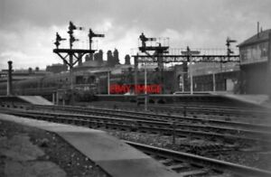 PHOTO-SHEFFIELD-RAILWAY-STATION-IN-THE-1960-039-S