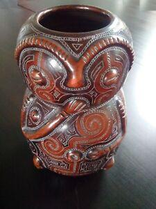 Rare-grande-ceramique-Marivaldo-Bresil-Amazonie-signee-vase-divinite-chamanique