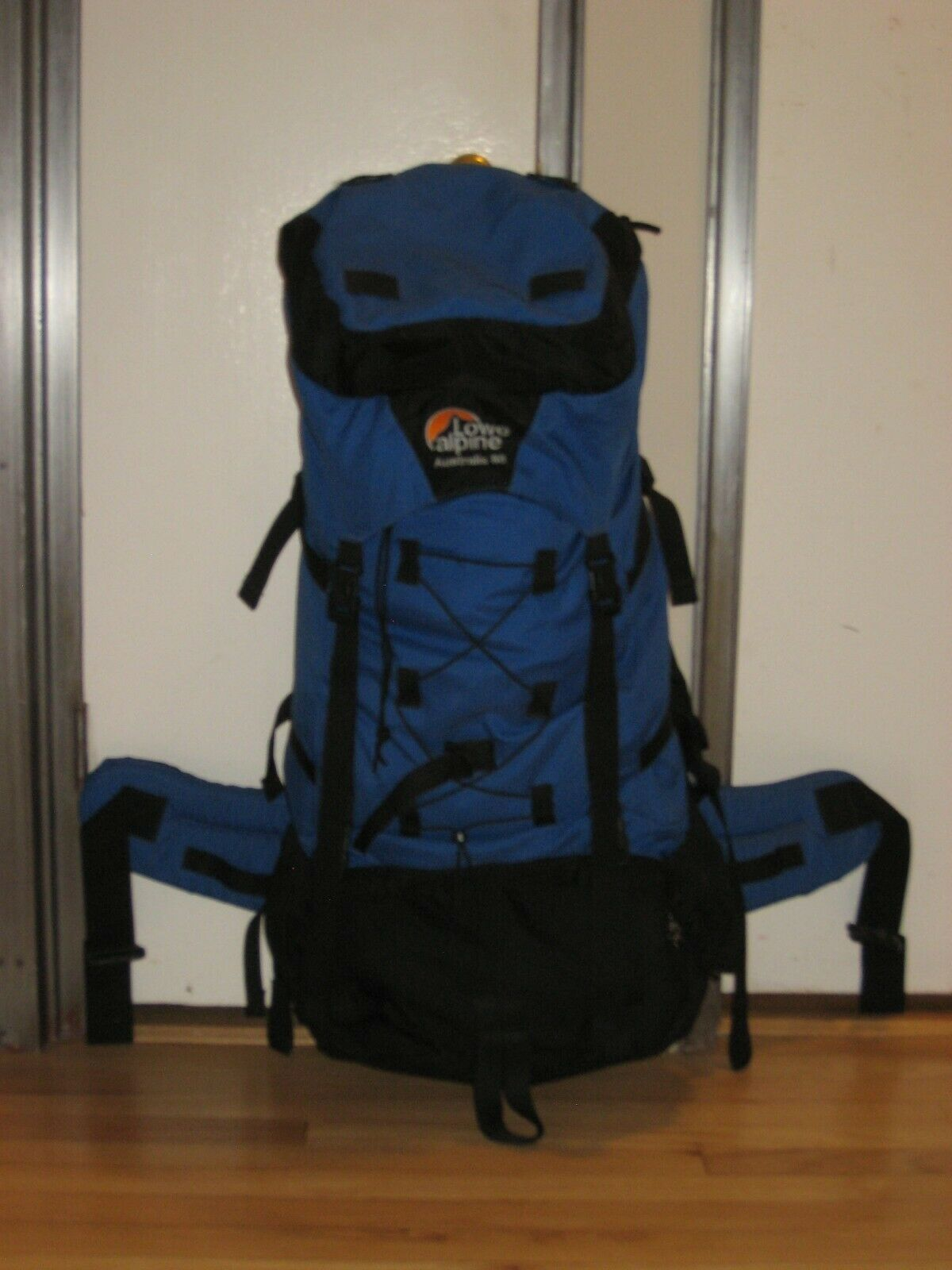 LOWE ALPINE Australis 80 Expedition Backpack (Internal Frame)