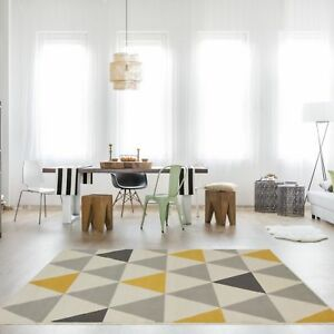 Tapis-de-salon-tradtionnel-triangles-motif-arlequin-ocre-jaune-gris-beige-Tapis