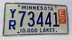 Vintage-1981-Minnesota-Blue-On-White-License-Plate-10-000-Lake-YR-73441-W-Tags