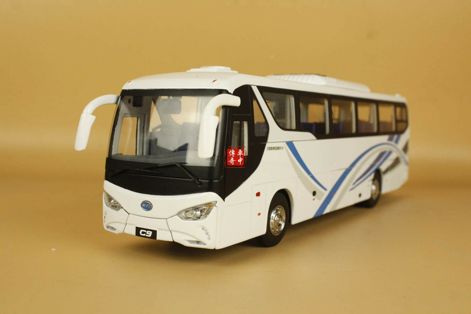 1 1 1 36 Bus Model BYD Pure Electric Bus C9 diecast model + gift 63e283