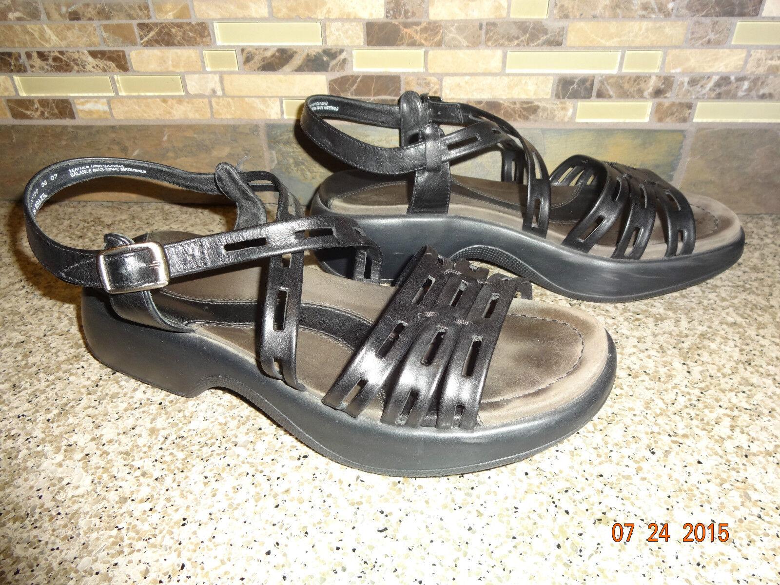 Womens Sz 38 US 7.5-8 Dansko Lorelei Black Leather Strappy shoes Sandals GREAT