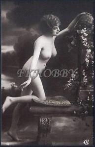 Ebony hairy mature nude pussy