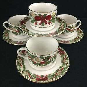 Set-of-4-Cups-and-Saucers-by-American-Atelier-Santa-Holly-and-Berries-Christmas