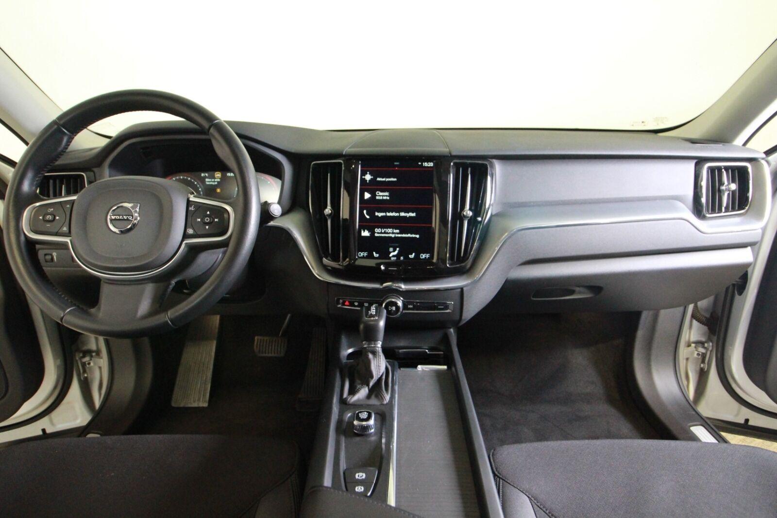 Volvo XC60 D5 235 Momentum aut. AWD Van