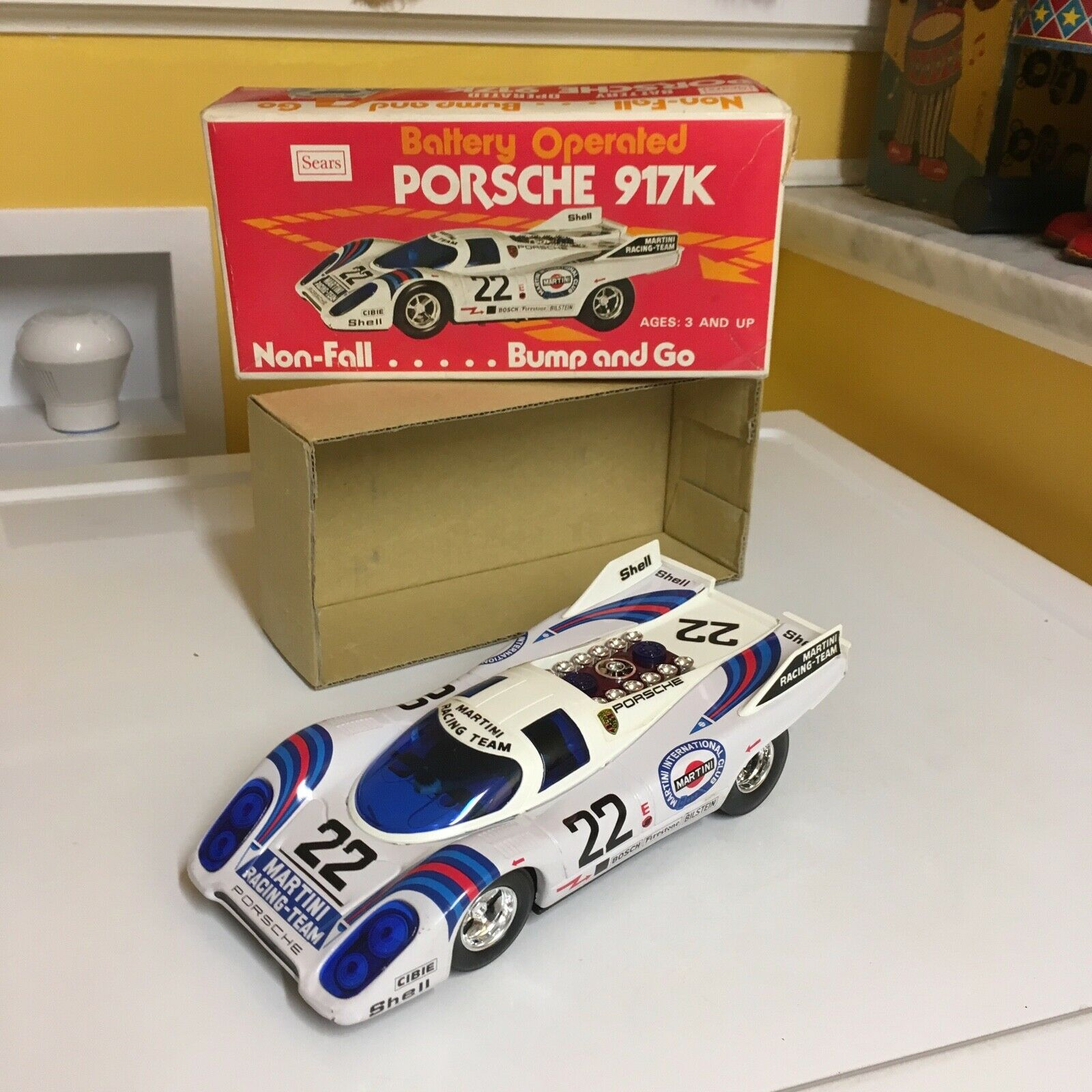 SEARS TAIYO TIN NON-FALL NON-FALL NON-FALL & BUMP AND GO ACTION PORSCHE 917K FULLY WORKING W BOX  1eefa1