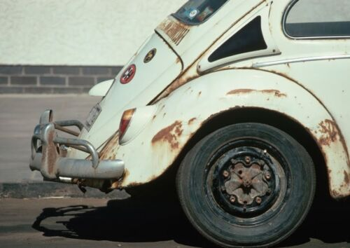 Art print POSTER Canvas Rusting Volkswagen Beetle