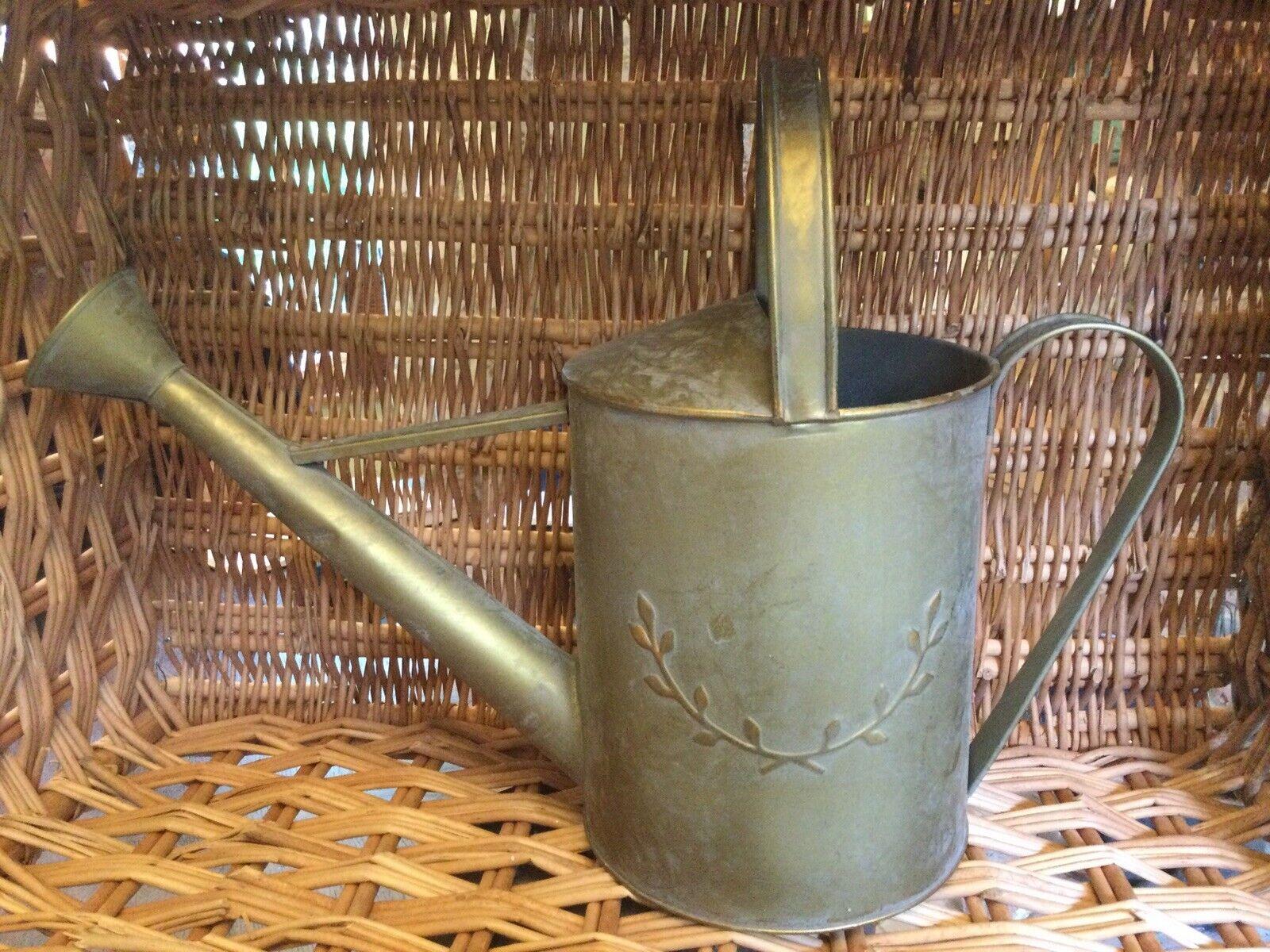 Gisela Graham Metal Watering Retro Home Decor New 30 X 40cm