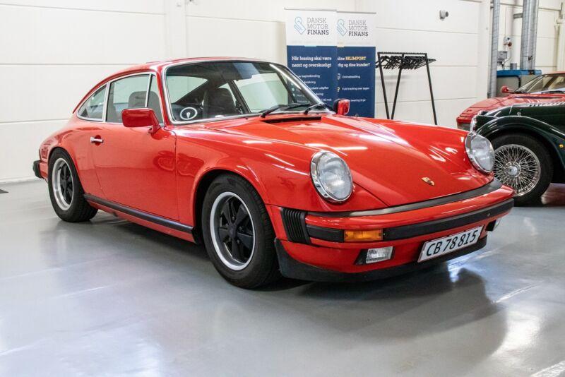 Porsche 911 S - 1