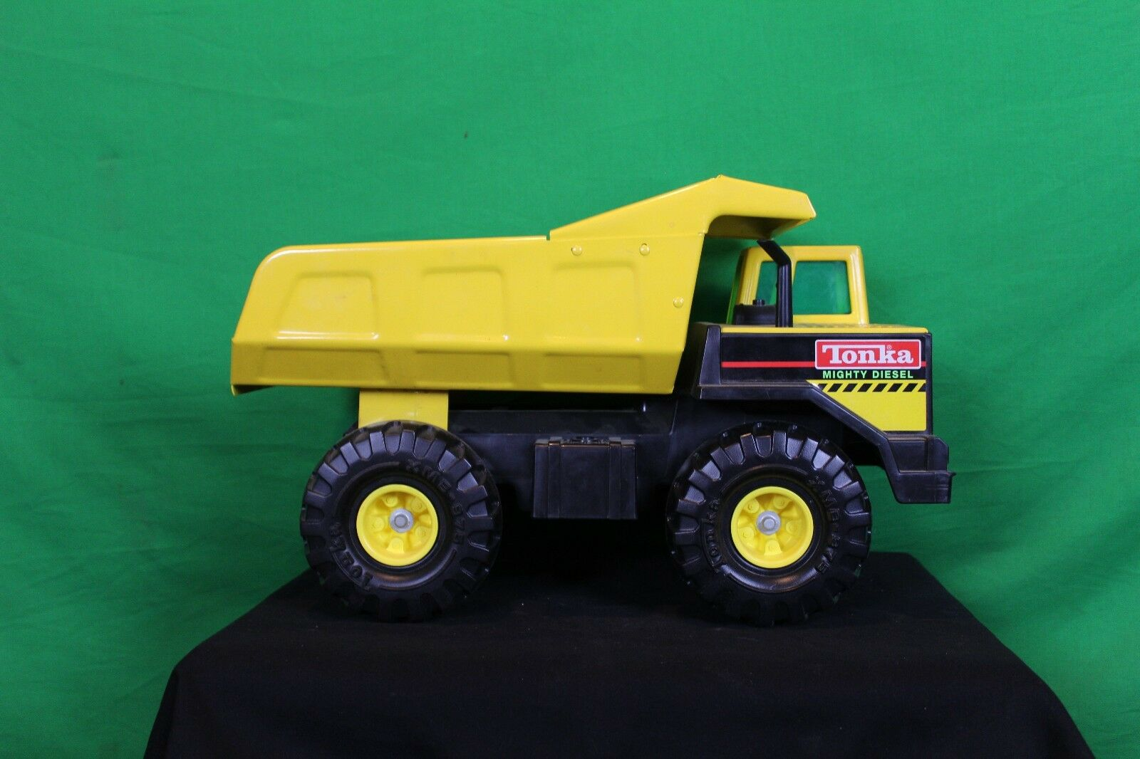 TONKA Mighty Diesel Grand camion benne à collectionner Earth Mover