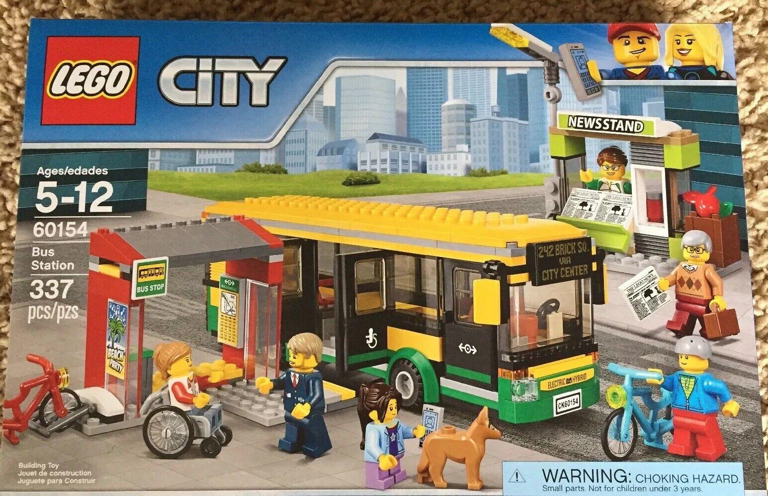 Lego 60154 station de Bus  de ville kiosque Bikes Building Kit 337 pcs Neuf Lot  distribution globale