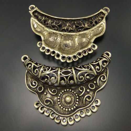 03160 Antiqued Bronze Vintage Alloy Fashion  Clothes Rack Charms Pendant  3PCS
