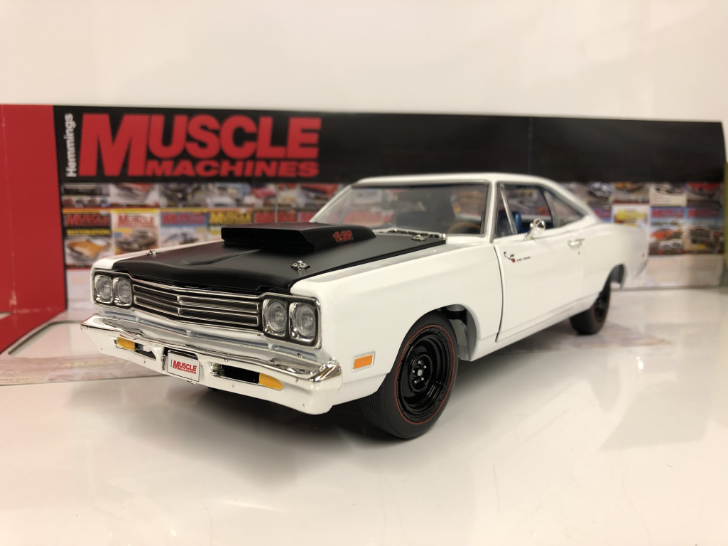 1969 Plymouth Roadrunner Coupé Blanc 1 18 limited Auto World AMM1147