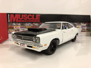 1969 Plymouth Roadrunner Coupe White 1 18 Limited  Auto World AMM1147