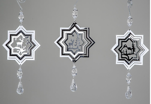 Deko Hänger in 3 D Optik aus Metall in silber mit Acryl Tropfen von formano