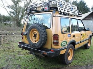 CAMEL TROPHY STYLE LANDROVER  DISCOVERY TDI  200 / 300   REAR TOP LIGHT GUARDS