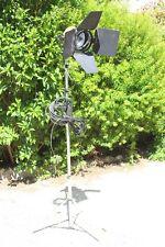 Occasion, vintage : Projecteur IANIRO ALDO diametre eclairage 15cm + trepieds *
