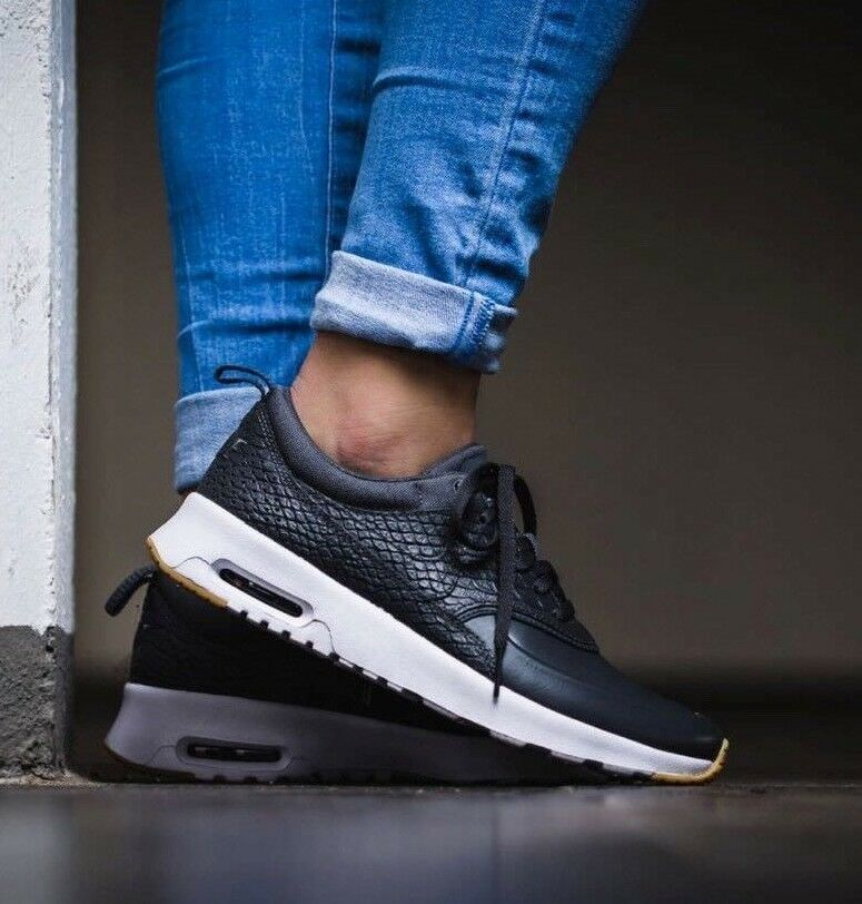 Zapatos promocionales para hombres y mujeres WOMENS NIKE AIR MAX THEA PRM SIZE 6.5 EUR 40.5 (616723 015) GREY/ WHITE