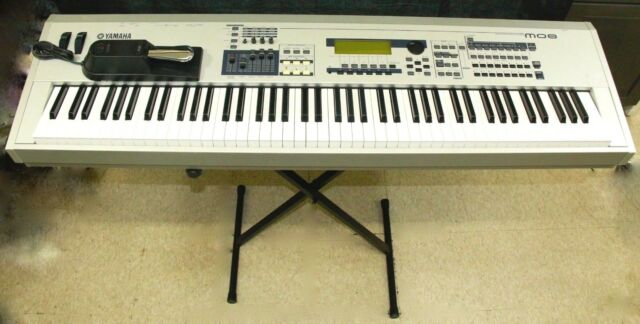 Yamaha MO8 Keyboard Synthesizer
